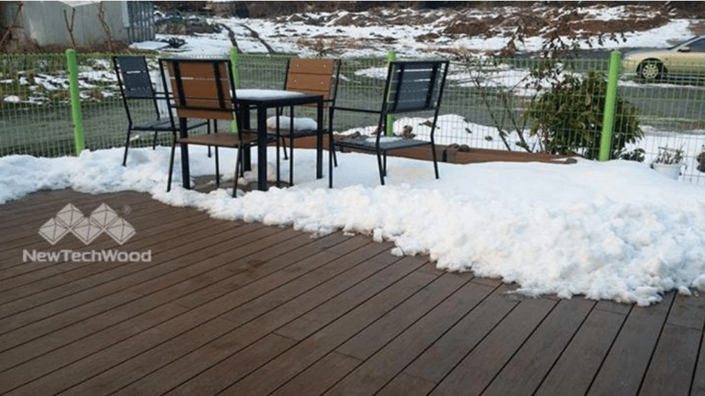 composite decking in snowy weather
