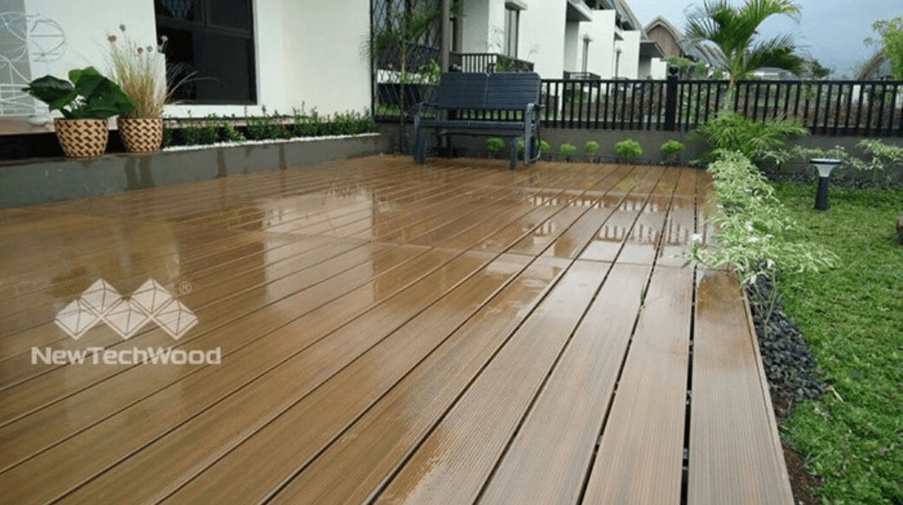simple water cleaning is good for composite decks