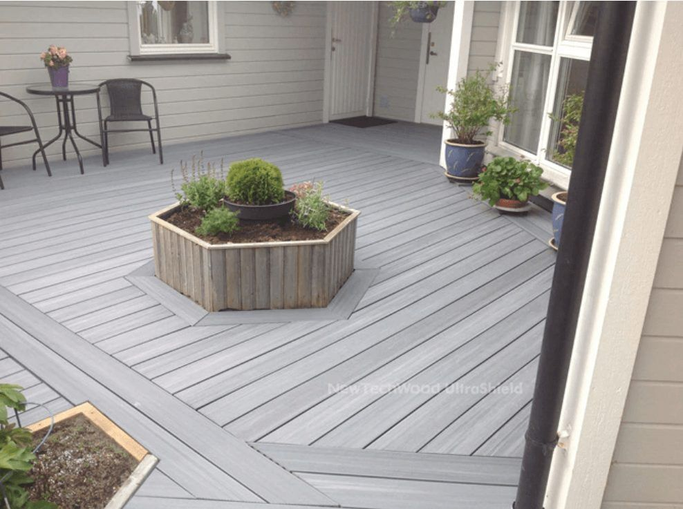 UltraShield_Capped_Composite_Decking_in_Norway_2015